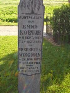 Grafsteen Emmo Koetje